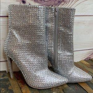 STEVE MADDEN Silver Rhinestone Embellished Boots
